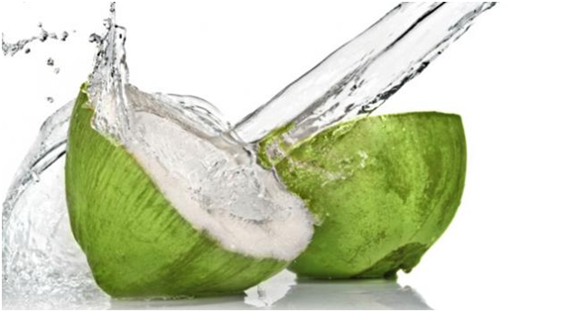 HOW TO LIGHTEN TANNED SKIN NATURALLY with coconut water