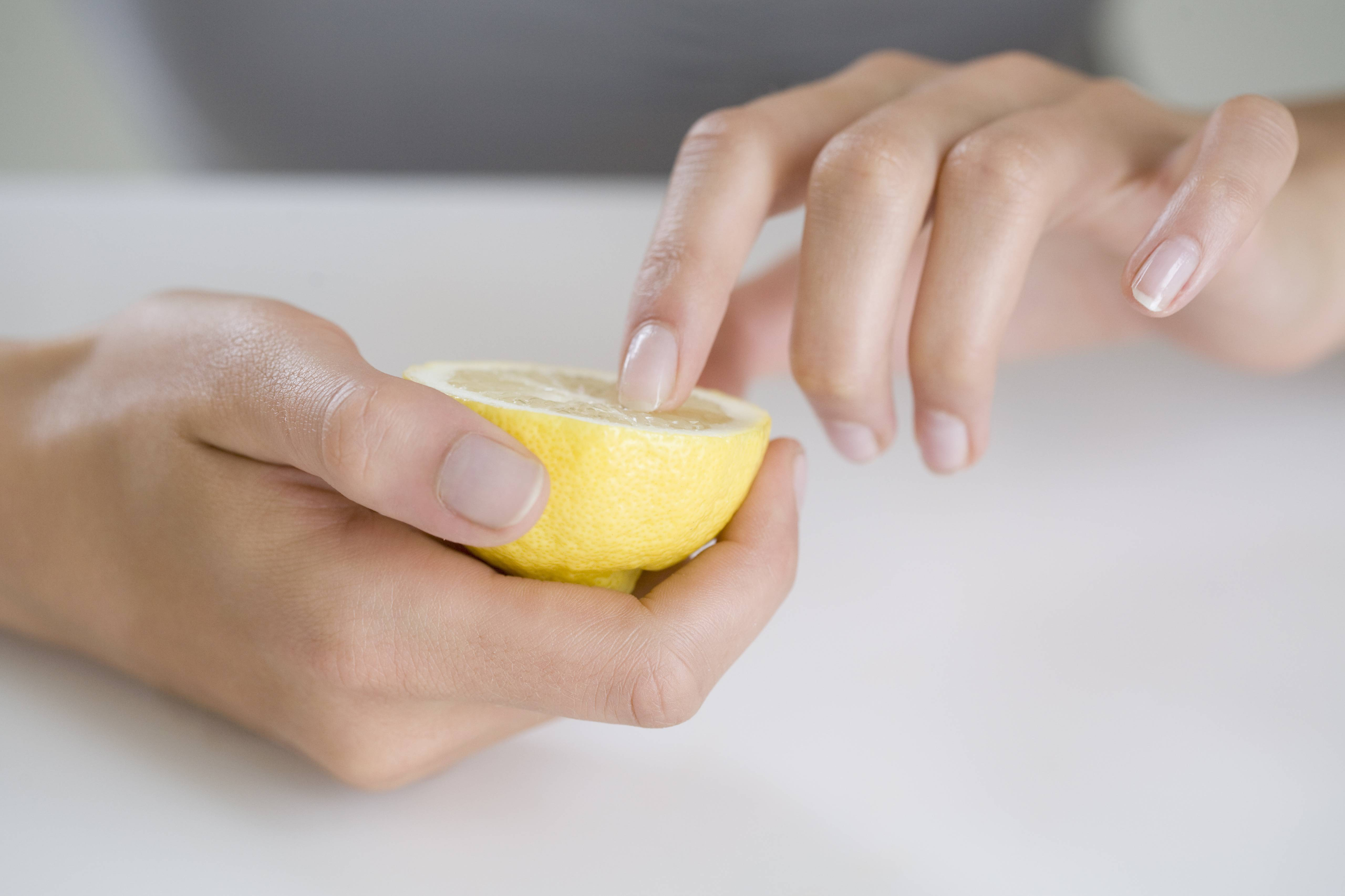 lemon juice for yellow nails